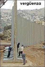 """Vergüenza. El muro Israel-Palestina sigue, y el muro izquierda-derecha (ejemplo acutal: Cuba). Un muro de incomunización general: religiones, culturas y lados enfrentados por culpa del """"o en mi lado y el otro a muerte"""". Y todo sin pensar una docena de preguntas:"""